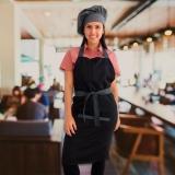 avental e chapéu chef orçar Parque Dom Pedro