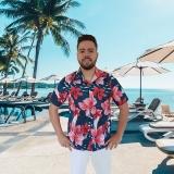 camisa florida havaiana para garçom de praia
