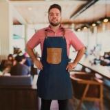 uniforme garçonete restaurante
