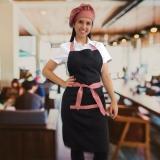 uniforme para garçonete de restaurante